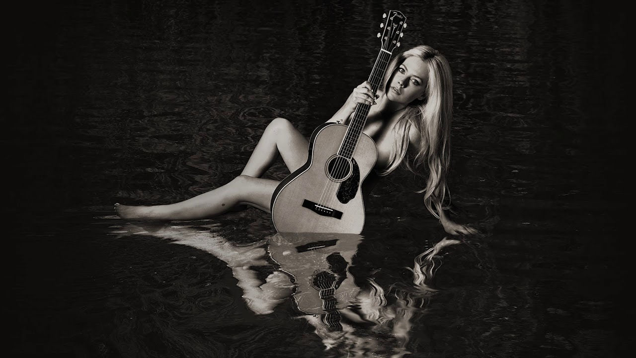 Avril Lavigne - Warrior (Audio)